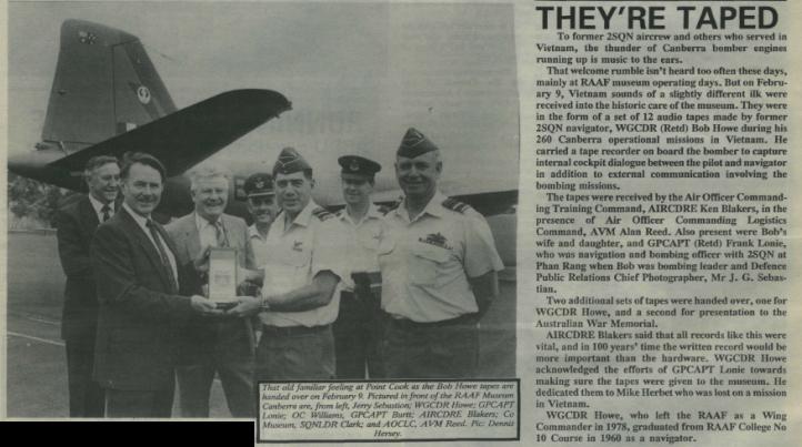 RAAF News April 1990